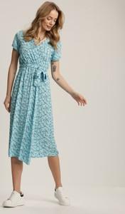 Niebieska sukienka Renee z okrągłym dekoltem midi z krótkim rękawem