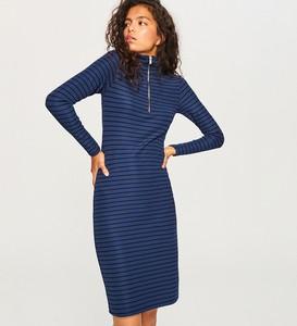 Sukienka Reserved dopasowana z golfem z długim rękawem