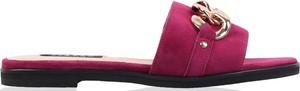 Czerwone klapki lizard-shoes.com z zamszu w stylu casual z płaską podeszwą