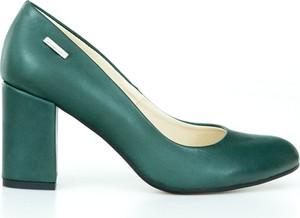 Zielone czółenka Zapato na słupku w stylu klasycznym z okrągłym noskiem
