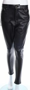 Czarne spodnie Pretty Little Thing