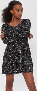 Sukienka House mini z długim rękawem rozkloszowana