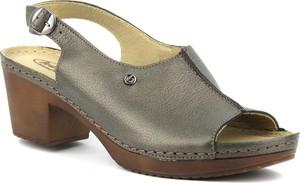 Sandały Helios na obcasie w stylu casual