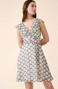 Sukienka ORSAY mini z krótkim rękawem z dekoltem w kształcie litery v
