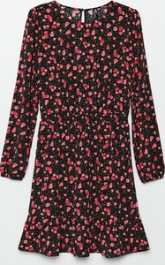 Sukienka Cropp z okrągłym dekoltem mini