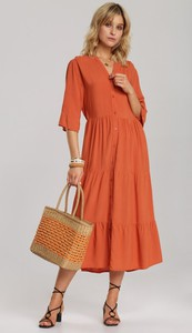 Pomarańczowa sukienka Renee z dekoltem w kształcie litery v z długim rękawem rozkloszowana