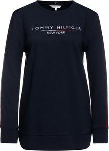 Granatowa bluza Tommy Hilfiger krótka w stylu casual