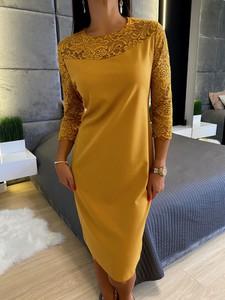Sukienka ModnaKiecka.pl w stylu casual midi z długim rękawem