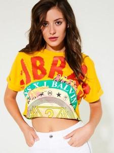 T-shirt Guess z okrągłym dekoltem z bawełny z krótkim rękawem