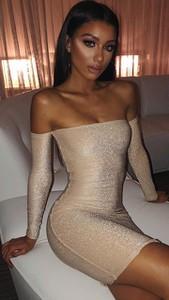 Sukienka noshame z długim rękawem mini z odkrytymi ramionami