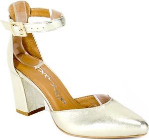 Złote sandały Prestige z klamrami