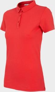 Czerwona bluzka Outhorn z krótkim rękawem w sportowym stylu z golfem