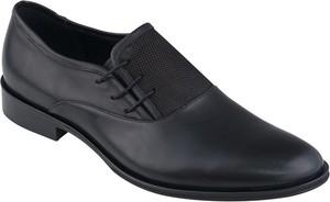 Czarne buty Lavard sznurowane