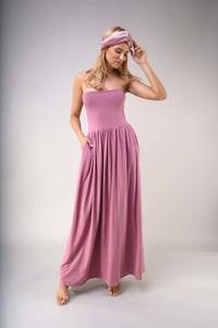 Sukienka Nommo maxi z odkrytymi ramionami
