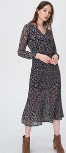 Różowa sukienka Sinsay z długim rękawem