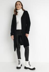 Czarny sweter born2be w stylu casual z dzianiny