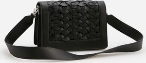 Czarna torebka Reserved lakierowana