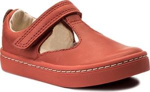 Czerwone buty dziecięce Clarks, kolekcja wiosna 2020