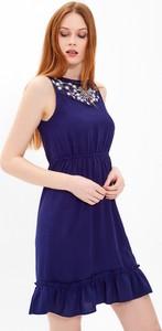 Niebieska sukienka Gate bez rękawów