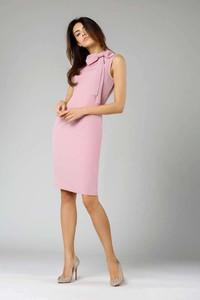 Różowa sukienka Nommo midi bez rękawów