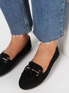 Czarne buty born2be z płaską podeszwą
