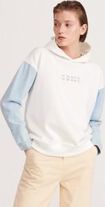 Bluza Reserved w młodzieżowym stylu krótka