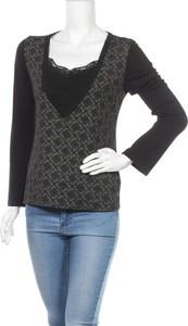 Czarna bluzka Charbell z dekoltem w kształcie litery v z długim rękawem