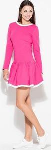Różowa sukienka Katrus z dresówki mini z okrągłym dekoltem