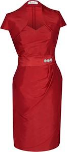 Czerwona sukienka Fokus z krótkim rękawem z dekoltem w kształcie litery v