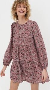 Różowa sukienka Sinsay mini w stylu casual