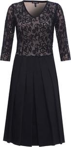 Sukienka HEXELINE z długim rękawem rozkloszowana midi
