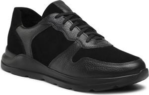 Czarne buty sportowe Ryłko z zamszu sznurowane w sportowym stylu