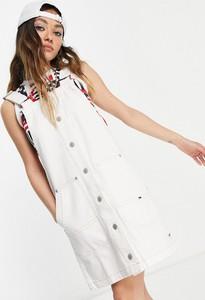 Sukienka Tommy Jeans mini z okrągłym dekoltem