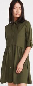 Zielona sukienka Reserved szmizjerka mini