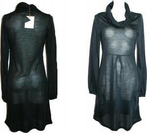 Granatowa sukienka Vila w stylu casual mini