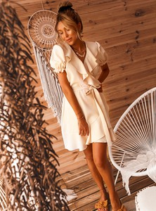 Sukienka SELFIEROOM w stylu casual mini z dekoltem w kształcie litery v