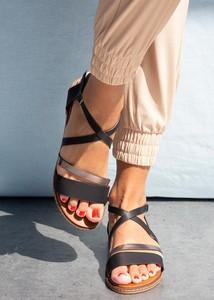 Sandały Casu z klamrami w stylu casual