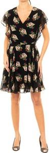 Sukienka Guess z krótkim rękawem z dekoltem w kształcie litery v