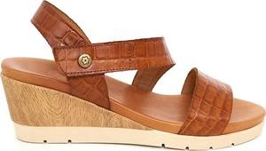 Sandały CLKA na koturnie w stylu casual ze skóry