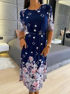 Sukienka ModnaKiecka.pl z długim rękawem w stylu casual z okrągłym dekoltem
