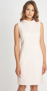 Sukienka QUIOSQUE mini prosta w stylu casual