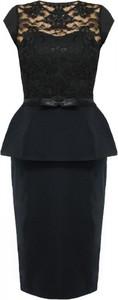 Sukienka Camill Fashion midi z krótkim rękawem z okrągłym dekoltem