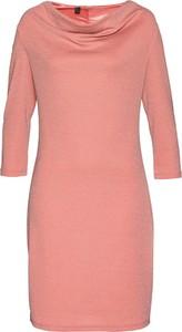 Różowa sukienka bonprix bpc selection premium z długim rękawem midi w stylu casual