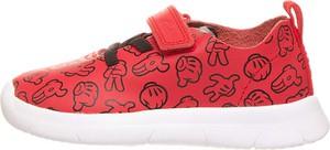 Czerwone buty sportowe dziecięce Clarks ze skóry na rzepy