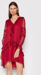 Czerwona sukienka Nissa asymetryczna z długim rękawem