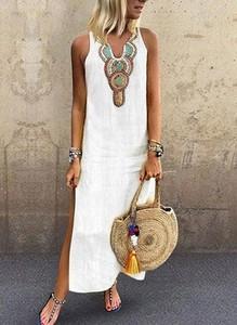Sukienka Cikelly na ramiączkach z dekoltem w kształcie litery v maxi