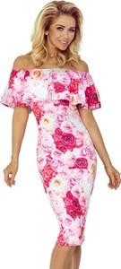 Różowa sukienka NUMOCO midi z krótkim rękawem