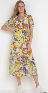 Sukienka born2be z dekoltem w kształcie litery v trapezowa
