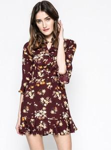 Sukienka Answear z dekoltem w kształcie litery v rozkloszowana z długim rękawem