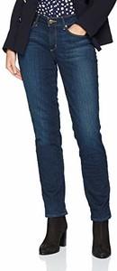 Jeansy Eddie Bauer z plaru w street stylu